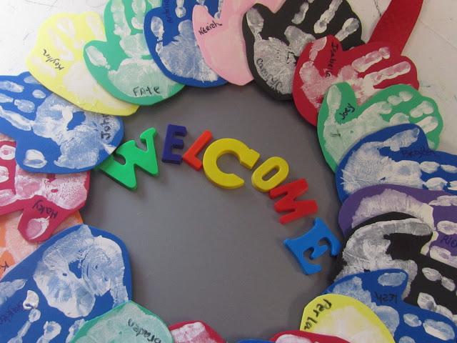 """Idee Creative: Corona di """"Benvenuto"""" a Scuola"""