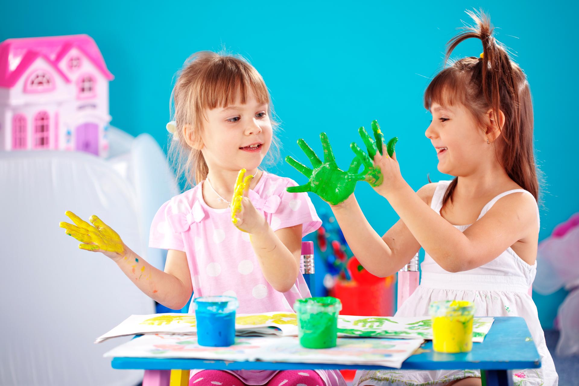 E' evidente che ciò che accomuna i bambini, ovunque essi siano, è la voglia di creare.